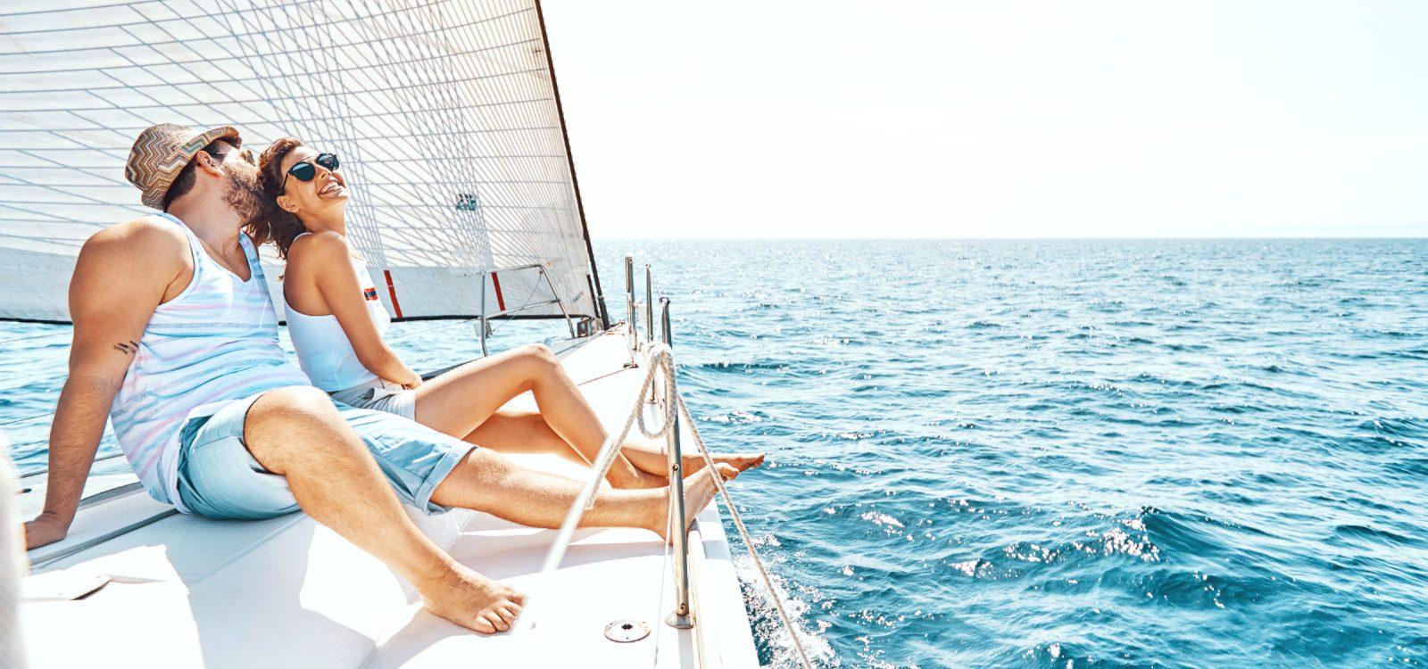 velero vigo alquiler travesia romantica